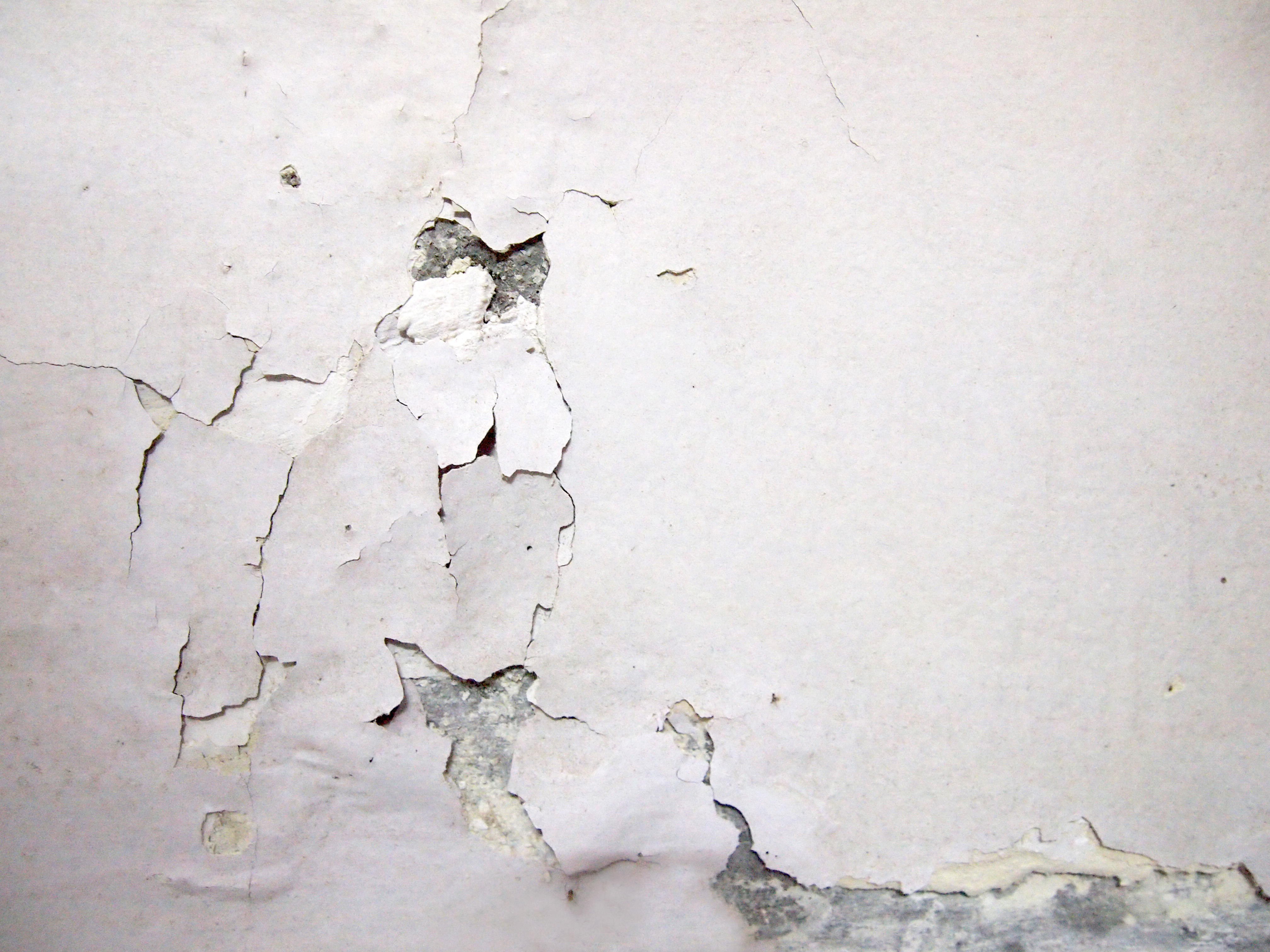 How to patch chipped paint on wall